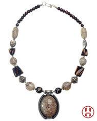 Halskette Isaza