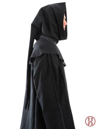 Gugel aus reiner und fester Baumwolle in schwarz - Seitenansicht