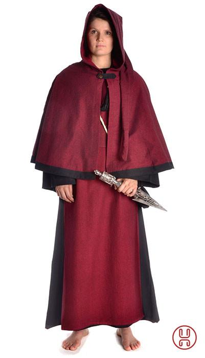 Priesterin Gewandung