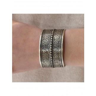 Mittelalter Armreif Melusine aus Weißmetall in Silbern Frontansicht 2