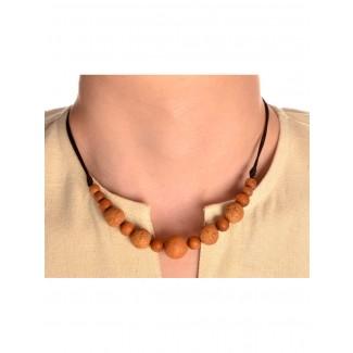 Mittelalter Halskette Angaras aus Sandelholz in Beige Frontansicht 2