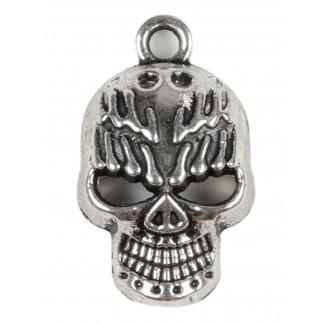 Piraten Anhänger Galangandreiz (Totenkopf) aus Metall in Silbern Frontansicht